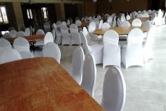 Location housse de chaise blanche dos croisé